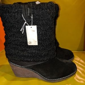 """NWT Dr. Scholl's 9 1/2"""" black suede wedge booties"""